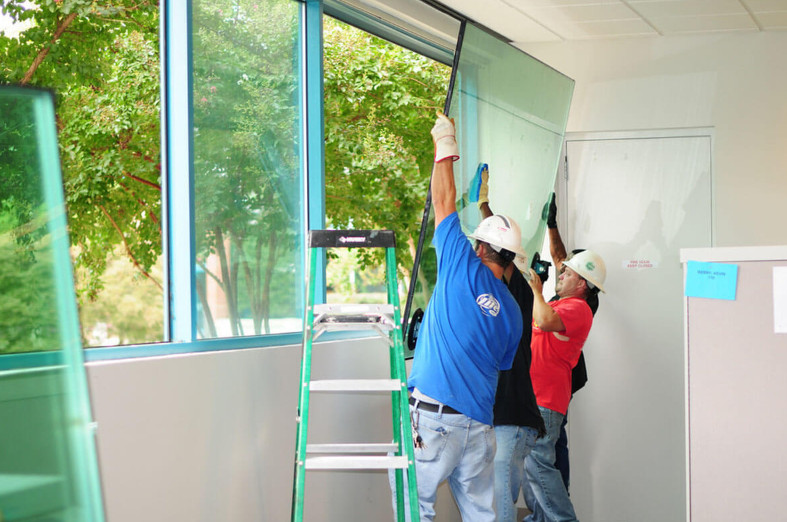 ohio glass replacement team replacing window in Sydney